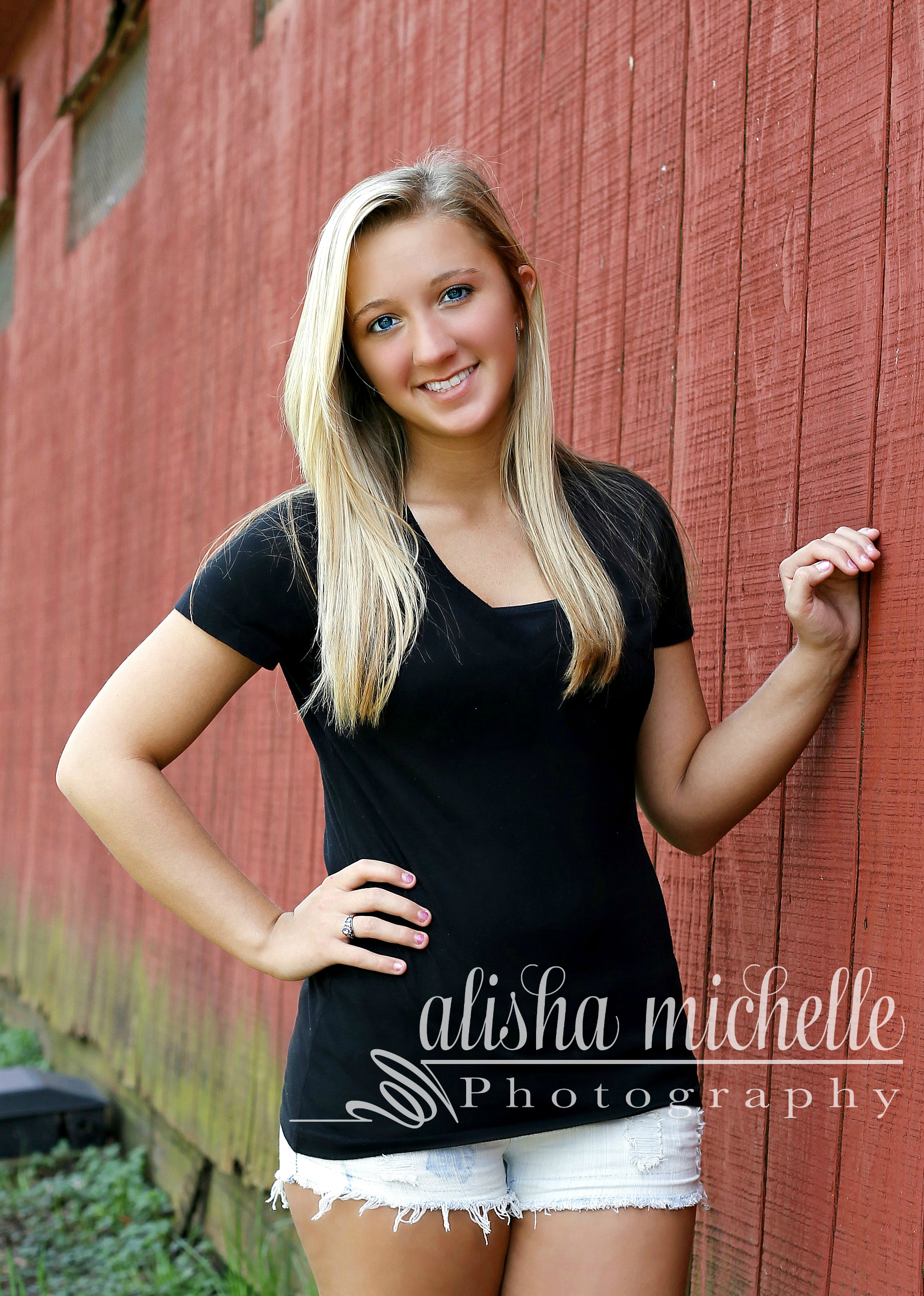 senior photos, book your session today!